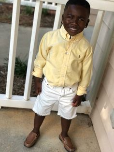 This little guy you can tell will be breaking hearts with his smoothness one day in the future❤️❤️❤️ Cute Black Babies, Beautiful Black Babies, Black Kids, Cute Babies, Little Boy Swag, Baby Boy Swag, Cute Kids Fashion, Baby Boy Fashion, Baby Boy Outfits