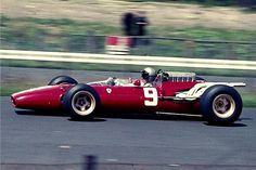 Bildbeschreibung: Lorenzo Bandini im Ferrari-12-Zylinder - Typ 312