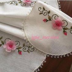 Otomatik alternatif metin yok. Elsa, Embroidery, Crochet, Instagram, Decor, Stitches, Bezel Ring, Punto De Cruz, Ornaments
