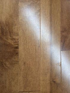Plancher de bois franc vernis, Chrysalis