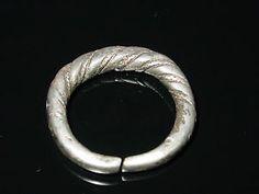 Large-Silver-Twisted-Viking-finger-ring-c-8-10-AD-Kievan-Rus-Viking