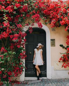 WEBSTA @ polkadotpassport - Oh the places you stumble upon when wandering the streets of Rome