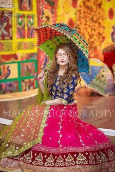 All Ethnic Customization with Hand Embroidery & beautiful Zardosi Art by Expert & Experienced Artist That reflect in Blouse , Lehenga & Sarees Designer creativity that will sunshine You & your Party Worldwide Delivery. Pakistani Party Wear Dresses, Shadi Dresses, Pakistani Wedding Outfits, Pakistani Dress Design, Event Dresses, Wedding Lehnga, Mehndi Outfit, Mehndi Dress, Mehendi
