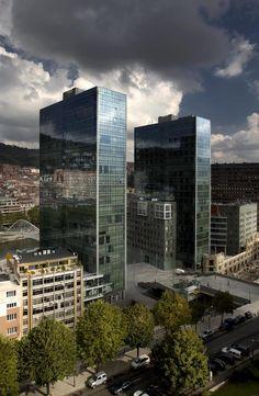 Basque Country, Bizkaia, Bilbao, Isozaki Towers (www.bilbaoarchitecture.com)