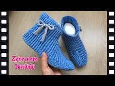 Crochet Shoes, Crochet Art, Crochet Slippers, Baby Knitting Patterns, Sewing Patterns, Crochet Patterns, Crochet Handles, Crochet Ripple, Tatting Jewelry