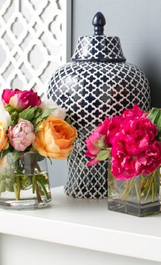 so love black and white pattern with these pretty pops of color!