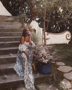 nima benati sitting in a flower garden in a floral maxi dress - New Ideas Summer Outfits, Cute Outfits, Dress Summer, Foto Casual, Jolie Photo, Floral Maxi Dress, Hippie Style, Summer Looks, Pretty Dresses