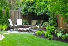 DIY landscaping ideas on a budget for modern backyard with outdoor furniture Backyard landscaping grass Small Backyard Landscape Small Yard Landscaping, Small Backyard Gardens, Modern Backyard, Backyard Garden Design, Large Backyard, Small Garden Design, Patio Design, Backyard Designs, Small Patio