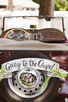 Cool and Creative Wedding Getaway Car Décor Ideas | Weddingomania