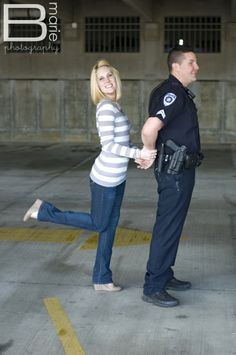 police officer engagement photos - b.marie.photography
