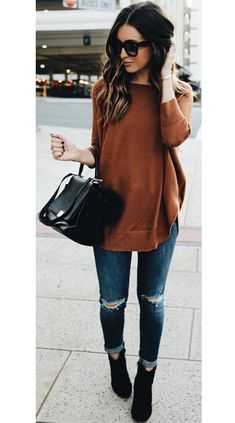 Women's autumn fashion inspo outfits are looking golden brown with a sleek black touch for a put together chic autumn outfit. #autumnoutfits #autumnoutfitcasual #autumnoutfitcute #autumnoutfitshopthislook #autumnoutfitshopcute #autumnoutfit2020 #autumnoutfitchic #womensfashion #cuteautumnoutfits #autumn #fall Fashion 2017, Look Fashion, Fashion Outfits, Womens Fashion, Fashion Trends, Latest Fashion, Fashion Ideas, Fashion Fall, Fashion Bloggers