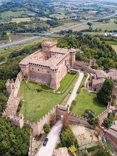Villas, Fortification, Kirchen, Roman Empire, Wonderful Places, Architecture Design, Mansions, House Styles, City