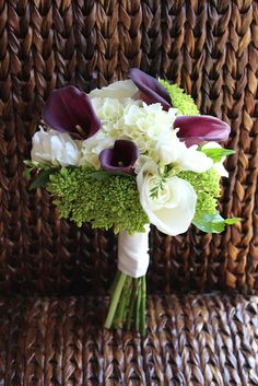 I love all of these flower arrangements -  calla lillies and hydrangeas are gorgeous!