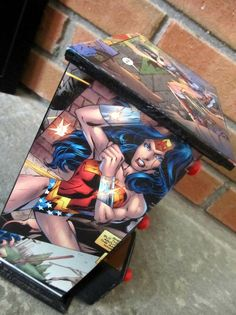 Love this Comic Book (Wonder Woman) jewelry box.  It's so me.