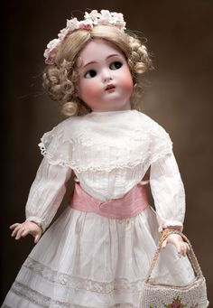"""Kammer and Reinhardt German ball-jointed doll with flirty eyes, 18"""", circa 1910."""