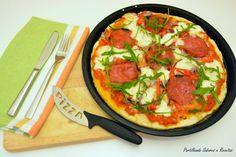 Pizza de Cebola Roxa, Salame e Rúcula