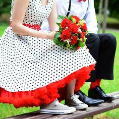 Fotoeditoriál: Svatební focení - Novinky - PoshMe - e-shop se vším, o čem ženy sní Retro, Wedding, Haute Couture, Valentines Day Weddings, Rustic, Weddings, Marriage, Mid Century, Mariage