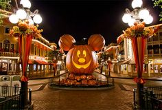 disney world at halloween | disneyland en Halloween