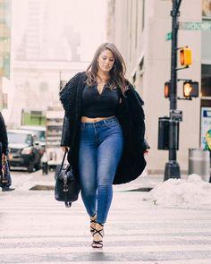 Os Melhores Modelos De Jeans Para Quem Tem Curvas