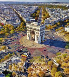 """4,171 Likes, 26 Comments - Vivre Paris (@vivreparis) on Instagram: """"TGIF ! @secretagent_wesanderson ・・・ #paris #etoile #arcdetriomphe"""""""