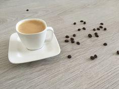 Alles wat je wilde weten over Koffie! Wij Nederlandse zijn gretige koffiedrinkers. Gemiddeld drinken wij 3,5 kopjes koffie per dag en dat is best veel! Maar is dit nou slecht? Wat doet koffie in het lichaam en heeft cafeïne een…
