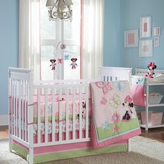 MINNIE MOUSE Butterfly Charm 4-Piece Crib Bedding Set