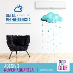 Dá uma beijoka na TV, hoje na hora da previsão do tempo, que é dia deles! :) #DiadoMeteorologista #SejaPop   www.popglue.com.br/produto/adesivo-nuvem-aquarela  #PopGlue #Decor #Decoracao #Fashion #Love #Meteorologia #Tempo #Previsao #PrevisaodoTempo #Temperatura #Pop