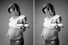 #pregnancyshoot #maternityshoot #pregnant #mum #baby #duesoon #maternity #bump #babybump #photography #photographydubai #studioshoot #maternityshoot