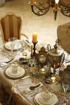 Je L' adore! A magnifique Vintage French Tablescape for Christmas!
