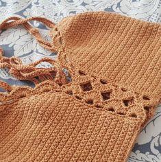 Fabulous Crochet a Little Black Crochet Dress Ideas. Georgeous Crochet a Little Black Crochet Dress Ideas. Crochet Summer Tops, Crochet Bikini Top, Crochet Blouse, Knit Crochet, Crochet Hats, Crochet Bodycon Dresses, Black Crochet Dress, Tops Tejidos A Crochet, Bikini Pattern