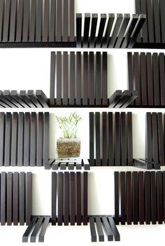 etageres piano (piano shelf)
