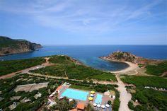 Panoramica piscine e baia