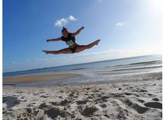 More toe-touches Hervey Bay / Fraser Island