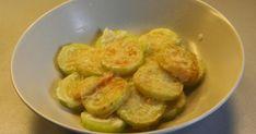 Dovlecei cu usturoi și cașcaval la cuptor - o mâncare simplă și ușoară, mai gustoasă decât carnea! - Bucatarul Sprouts, Vitamins, Vegetarian, Meat, Chicken, Dinner, Food, Fine Dining, Kitchens