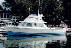 Bertram 31 -- classic, ultimate Bertram, a (restored) path not taken in favor of the Contender Bertram Boats, Cabin Cruisers For Sale, Bottom Paint, Offshore Boats, Classic Yachts, Offshore Fishing, Boat Stuff, Tug Boats, Power Boats