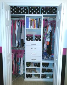 They say size doesn't matter but when it comes to closets I think that I can argue differently.  Many of us are not blessed with giant closets in our homes and so we have to make our limited storage space the most functional and efficient it can be. Do you have small closets in your ... Read More about Small Reach-in Closet Organization Ideas