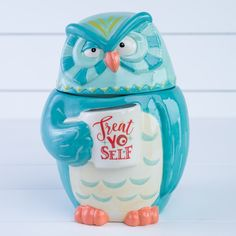 "Owl ""Treat Yo Self"" Cookie Jar - Cracker Barrel Modeling Clay Recipe, Owl Treats, Owl Kitchen, Owl Bags, Owl Quilts, Felt Owls, Owl Always Love You, Ceramic Owl, Art Deco Posters"