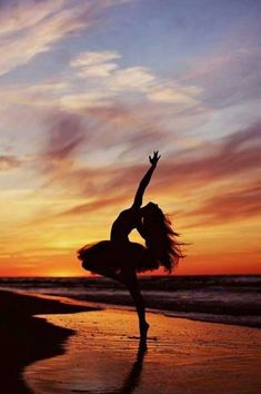 dance picture poses Image uploaded by rover paul . Find images and videos about beautiful, beauty and beach on We Heart It - the app to get lost in what you love. Dance Picture Poses, Dance Photo Shoot, Poses Photo, Dance Poses, Dance Pictures, Cool Pictures, Yoga Poses, Dance Images, Photo Shoots
