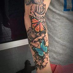 52 New ideas tattoo sleeve girly butterflies Small Forearm Tattoos, Forearm Sleeve Tattoos, Full Sleeve Tattoos, Tattoo Sleeve Designs, Leg Tattoos, Body Art Tattoos, Tattoos Pics, Female Tattoo Sleeve, Forarm Tattoos For Women