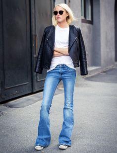 Les converses s'associent particulièrement bien au jean flare ! (blog Ellen Claessons)