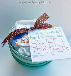 Cool treat for a sweet teacher- frozen yogurt gift card and bowls