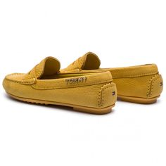 Mokasyny TOMMY HILFIGER - Colorful Tommy Moccasin FW0FW04398 Spectra Yellow 730 - Mokasyny - Półbuty - Damskie - eobuwie.pl Tommy Hilfiger, Moccasins, Loafers, Yellow, Color, Shoes, Fashion, Penny Loafers, Travel Shoes