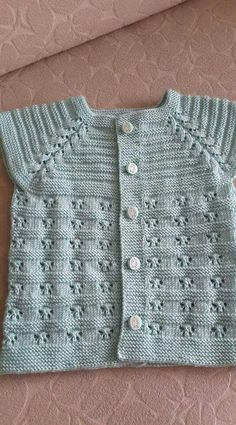Use Arrowhead Lace Stitch To Baby Booties Free Pattern, Baby Sweater Patterns, Baby Cardigan Knitting Pattern, Easy Knitting Patterns, Baby Patterns, Baby Knitting, Embroidery On Kurtis, Kurti Embroidery Design, Crochet Baby Sweaters