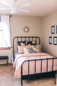 blush pink and black girls room with gold accents and florals Girls Bedroom Decor Pink Bedroom Decor, Antique Bedroom Decor, Girls Bedroom Pink, Blush And Gold Bedroom, Light Pink Bedrooms, Ladies Bedroom, Blush Walls, Bedroom Scene, Girls Room Wall Decor