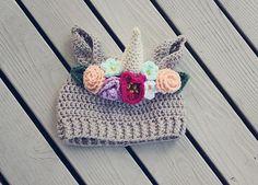 Sombrero de unicornio con corona de flores