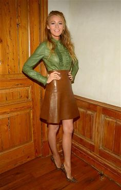 Wearing head-to-toe Gucci, Blake Lively looked lovely in a green ruffled leather blouse, flared brown leather skirt and animal-print pumps while leaving a photo shoot in Los Angeles on June Stars who got tattoos for love Mode Blake Lively, Blake Lively Style, Betty Draper, Olivia Palermo, Gossip Girl, Gucci, Meghan Markle, Celebrity Dresses, Celebrity Style