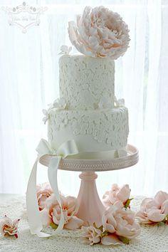 Amazing Vintage Lace Cake