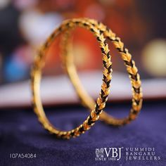 Pair these light-weight intricate bangles with your salwar or saree and watch how they instantly elevate your whole look!Gross Weight: g. Gold Jewelry For Sale, Gold Jewelry Simple, Gold Rings Jewelry, Hand Jewelry, Beaded Jewelry, Light Weight Gold Jewellery, Wedding Jewellery Designs, Gold Bangles Design, Saree