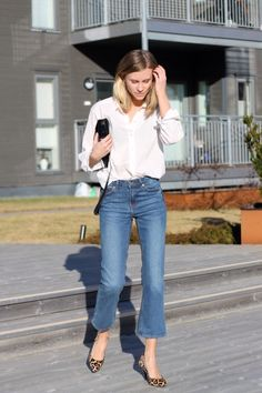 simple white buttondown and jeans