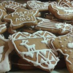 Spenót á la nagymama | Nosalty Gingerbread Decorations, Gingerbread Cookies, Xmas Food, Christmas Baking, Cookie Recipes, Dessert Recipes, Xmas Dinner, Hungarian Recipes, Winter Food